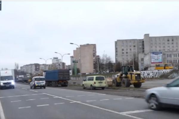 Перехід з манекенами: на Об'їзній Тернополя встановили унікальний світлофор