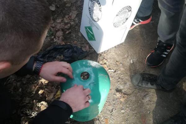 «Цінне каміння у балонах»: у Тернополі виявили перевізника бурштину