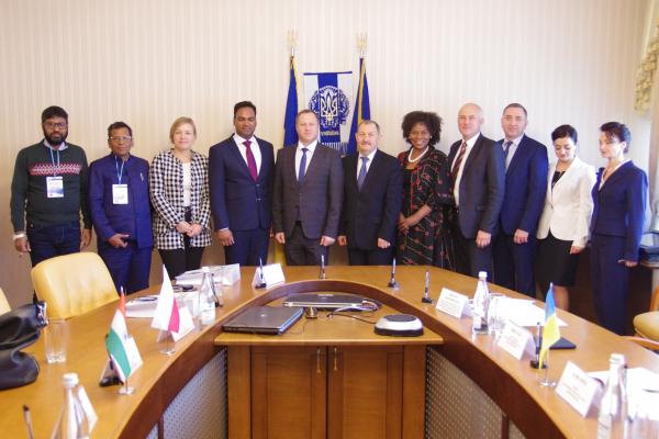 «Один із пріоритетів діяльності ОДА»: у Тернополі відбулася зустріч  міжнародних делегацій