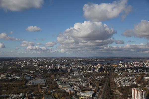 Коловий танок залізного птаха над Тернополем (Фото)