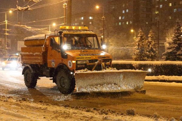 Прибирання міста взимку: хто за що відповідальний, кого питати за виконання робіт?