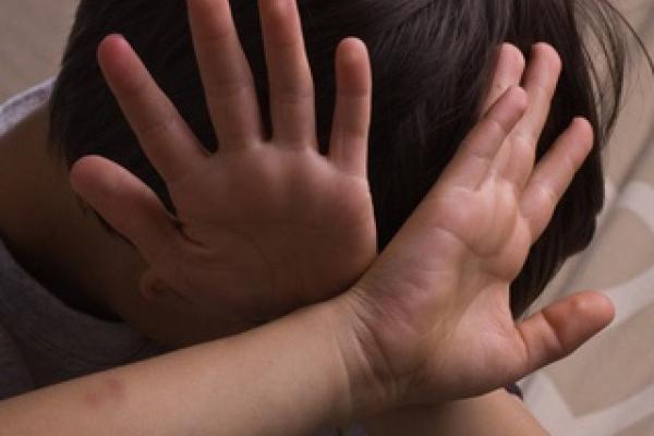 У Кременецькому районі 3-річний хлопчик втікав з дому через побої