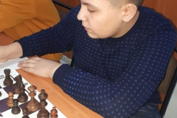 Шахіст з Чорткова в черговий раз здобув титул чемпіона області