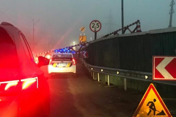 «Ювілейна аварія»: у Тернополі вдесяте збили обмежувач на Гаївському мості (Відео)