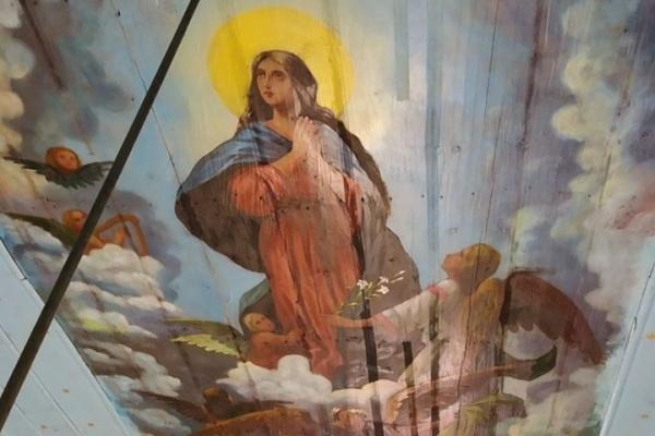 У церкві на Тернопільщині замироточили ікони: священники дали пояснення такому феномену (Фото)
