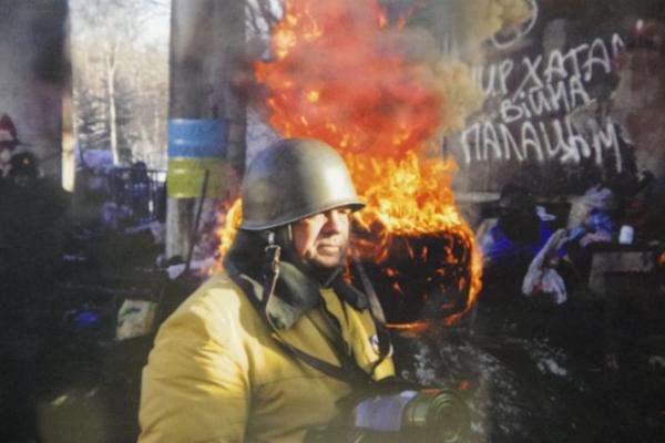 «Пам'ять жива, як і наш біль»: у Тернополі відкрили експозицію про майдани