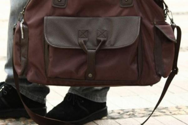 У жительки Борщівського району поцупили на вокзалі сумку з товаром