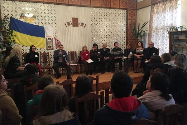 У Монастириську говорили про депортацію українців та дивились фільм «Орнаменти долі»