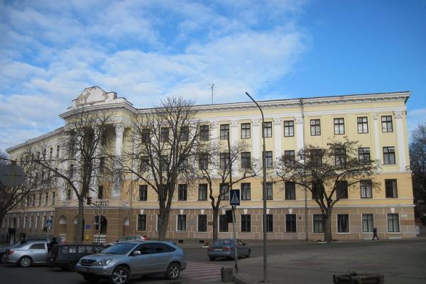 Школярам однієї із шкіл Тернополя доводиться прокидатися раніше