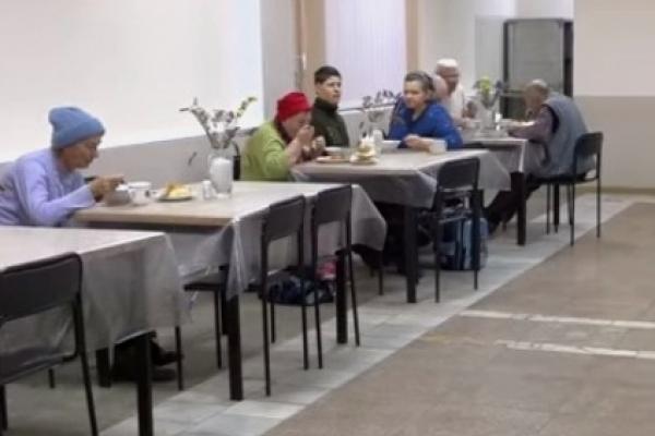 «Благодійна їдальня»: у Тернополі роздають безкоштовні обіди