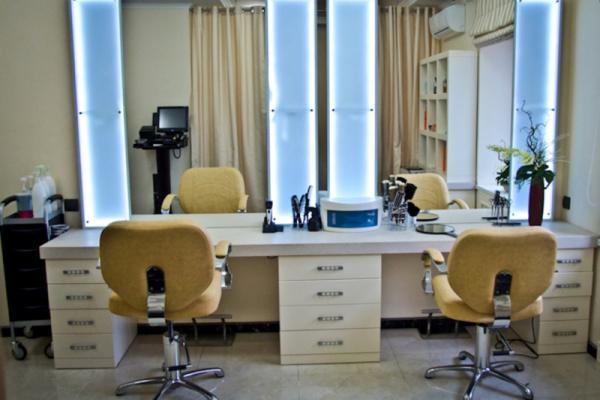 Два колишніх «зеки» обікрали у Тернополі перукарню на 14 тисяч гривень