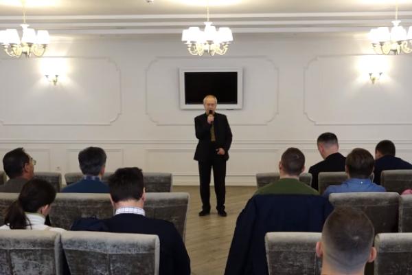 «Рух опору капітуляції» у Тернополі: активісти обговорили загрози українському суверенітету