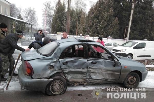 У Зборівському районі у ДТП постраждали два учні автошколи та інструктор