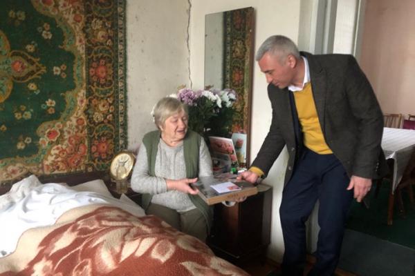 Довгожителі Тернопілля: містянка відзначила свої сто років