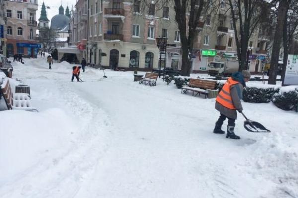 Сніг допоможе депутату стати справжнім слугою народу