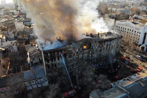 В Одессі горить будинок з студентами (Фото)