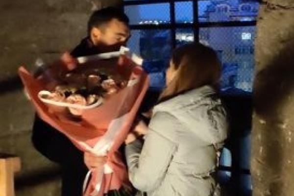 У Тернополі хлопець освідчився дівчині в одному з шпилів катедри