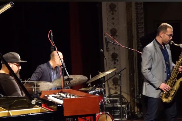 Музичний фестиваль «Jazz Bez» зібрав тисячі гостей зі всієї України