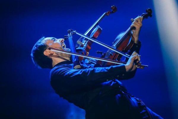 Віртуоз Божик у супроводі рок-оркестру запрошує на енергетично-музичне шоу
