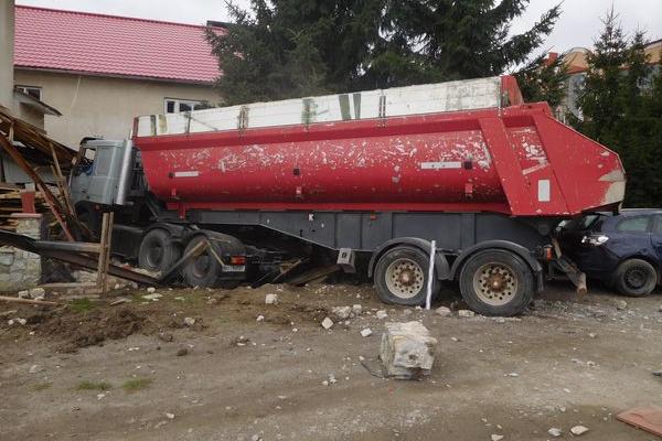 На Тернопільщині водію вантажівки, який смертельно травмував пішохода, повідомлено про підозру