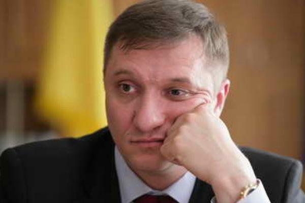 Екс-голову Тернопільської облради Кайду затримали за напад на нардепа Богданця (Відео)