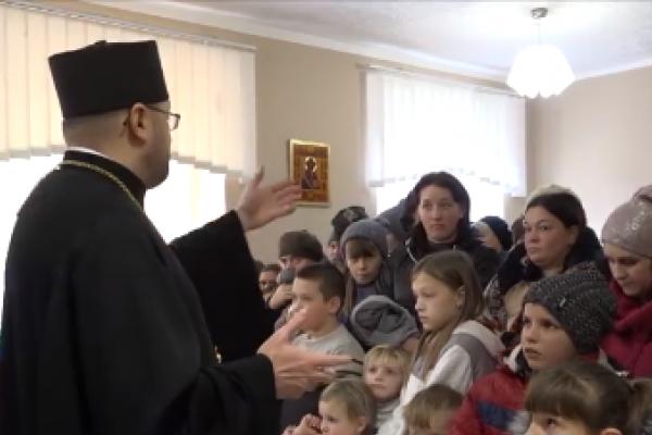 Понад 200 подарунків до Дня святого Миколая роздали волонтери «Карітасу»