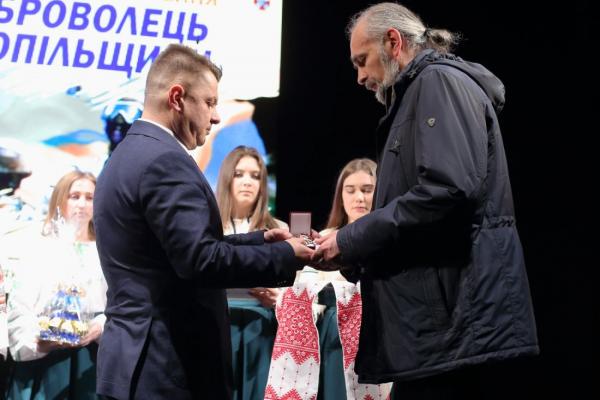 «Кожен доброволець, який першим став на захист держави, повинен бути гідно пошанований», – Віктор Овчарук