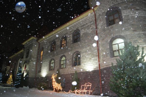 Зустріньте Новий рік у стилі «з легким паром» у готельно-ресторанному комплексі «Галицький замок»