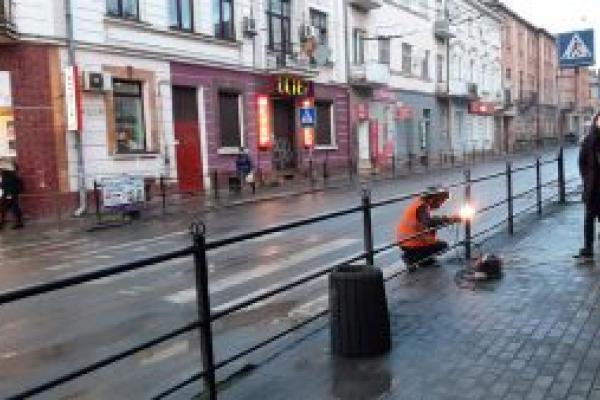 «Зменшити кількість аварій»: у Тернополі переносять небезпечні пішохідні переходи