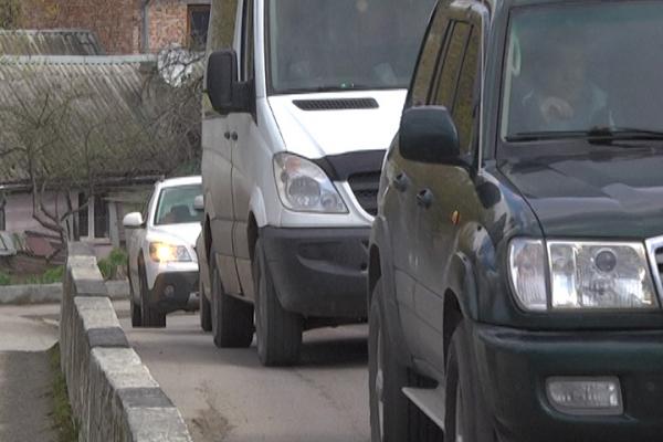 У центрі Тернополя сварились кермувальник іномарки і водій маршрутки