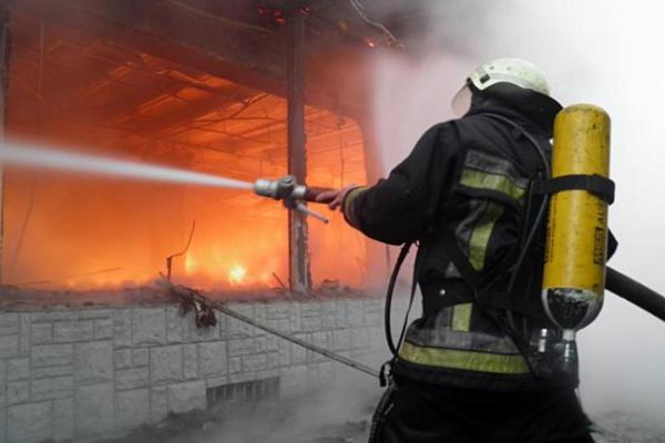 На Тернопільщині врятували  чоловіка від вогню