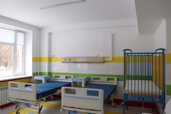 Тернопільські обласній дитячі лікарні подарували нове обладнання