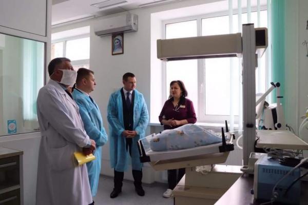 Тернопільська обласна лікарня отримала дороговартісне обладнання, яке рятуватиме життя новонароджених