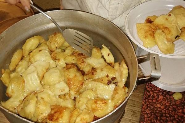 Бійці ОСС дякують за хліб, калачі та різдвяні смаколики, які їм передали жителі Бережан