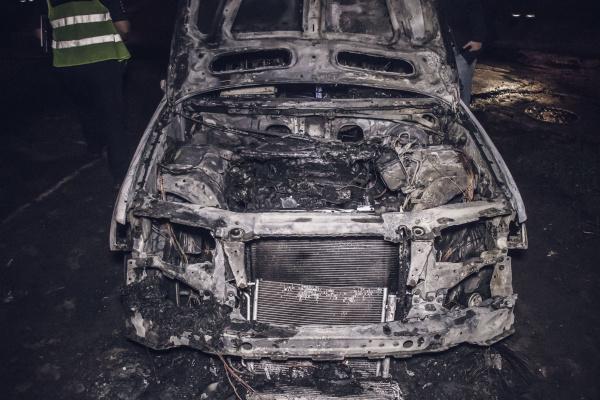 На Тернопільщині згорів «BMW X5»