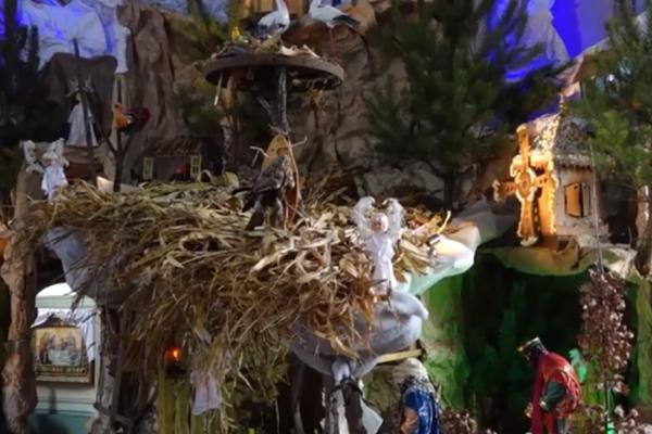 У селі на Тернопільщині парафіяни самостійно зробили унікальну шопку (Відео)