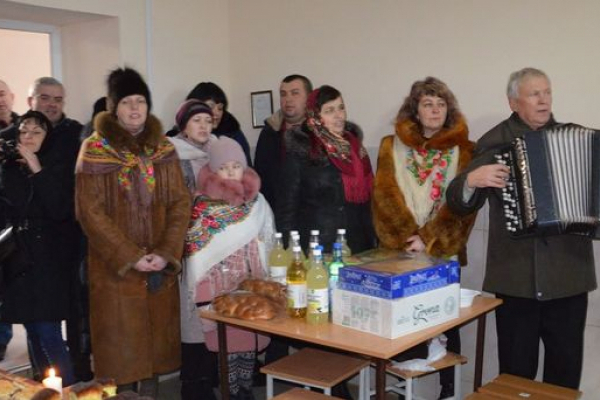 Вояків Теребовлянської військової частини на передодні Різдва відвідали святі отці та вертеп