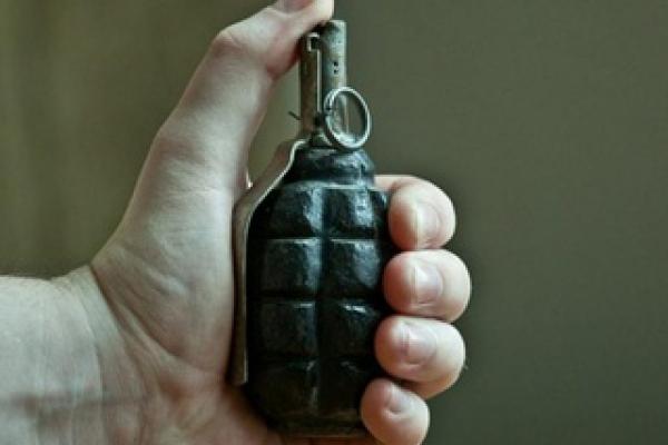 В одному з сіл Шумського району молодик погрожував односельчанам гранатою