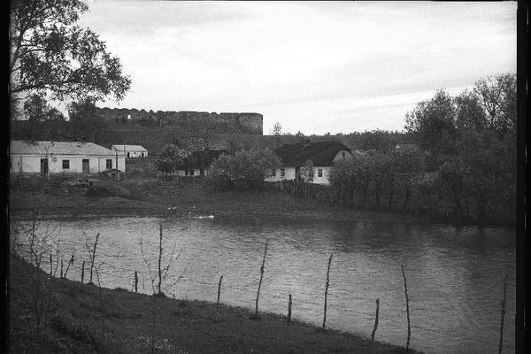 Костел Св. Трійці в Микулинцях на фото 1929 року