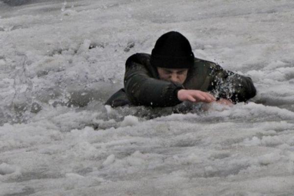 У Тернополі молодий чоловік провалився під лід
