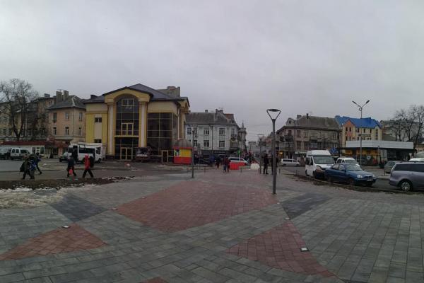 Як виглядає оновлена Привокзальна площа в Тернополі (Фото)