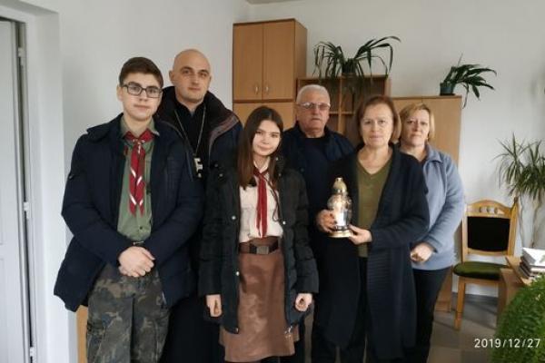 Вифлеємський Вогонь Миру засвітили у 450 населених пунктах Західної України