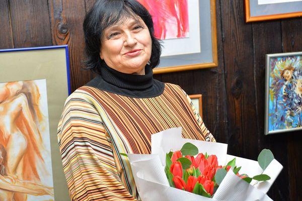 Виставка картин Наталі Басараб - на полотні жіноча таємна краса - та, що підкорює і надихає