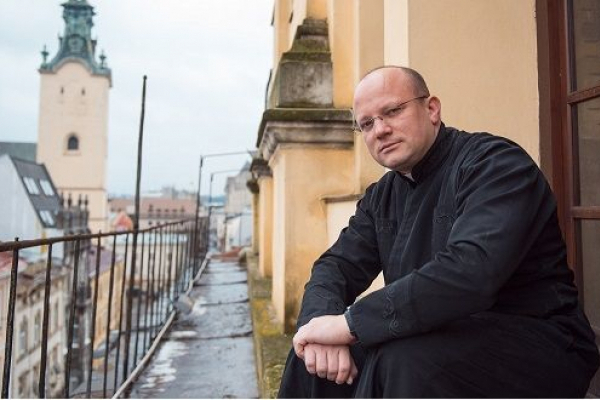 Випускник Бучацького колегіуму імені св. Йосафата, що на Тернопільщині, став наймолодшим єпископом у світі