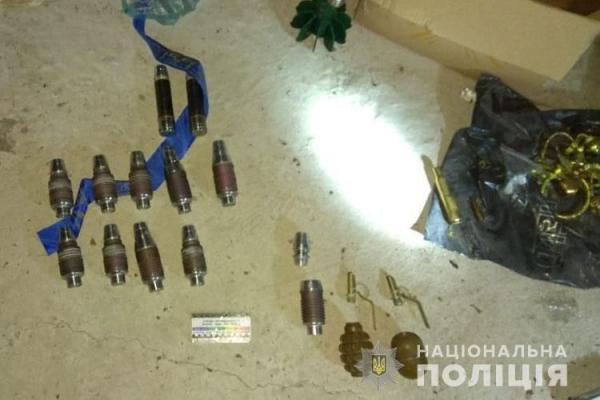 На Тернопільщині чоловік створював власний арсенал зброї