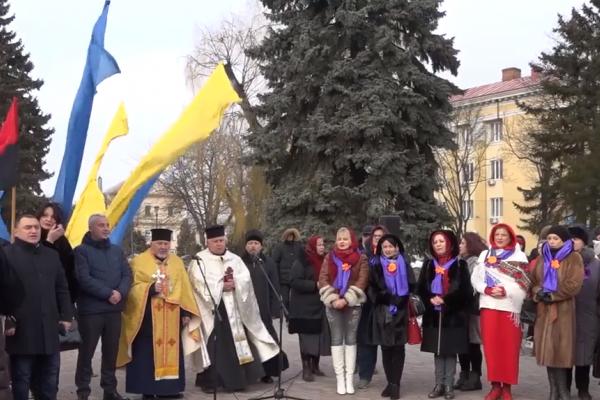 «Молитва за Україну»: у День Соборності тернополяни гуртом помолились за мир