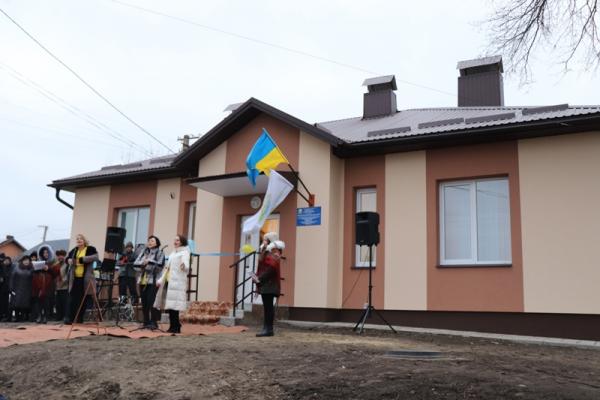 У Дичкові відкрили оновлене приміщення ФАПу та офісу старости