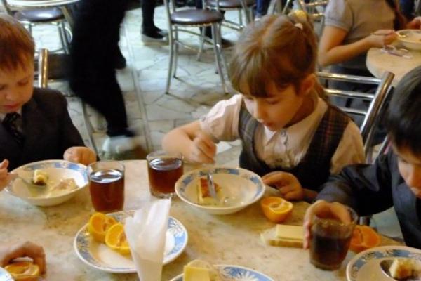 Тернопіль: у шкільних їдальнях впроваджують нове меню