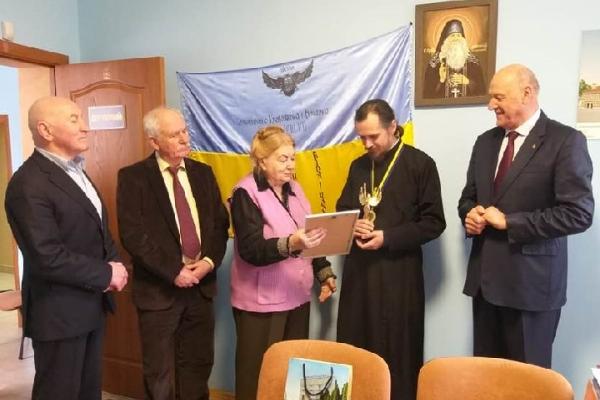 Архієпископ Нестор отримав відзнаку «Людина року-2019»