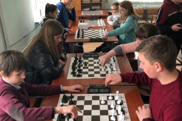 У Теребовлянській громаді провели змагання з шахів і настільного тенісу